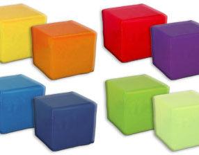 Kącik dla dzieci - Pufki piankowe do siedzenia.